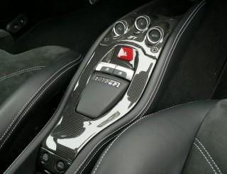 Ferrari 458 用 カーボン センターコンソール セット2