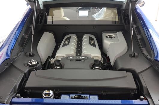 アウディ R8 V10 フェイスリフト マイナーチェンジ後
