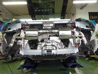 アウディ R8 V8 後期 iPE マフラー装着4