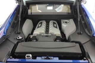 アウディ R8 V10 5.2L 後期 iPE マフラー装着1